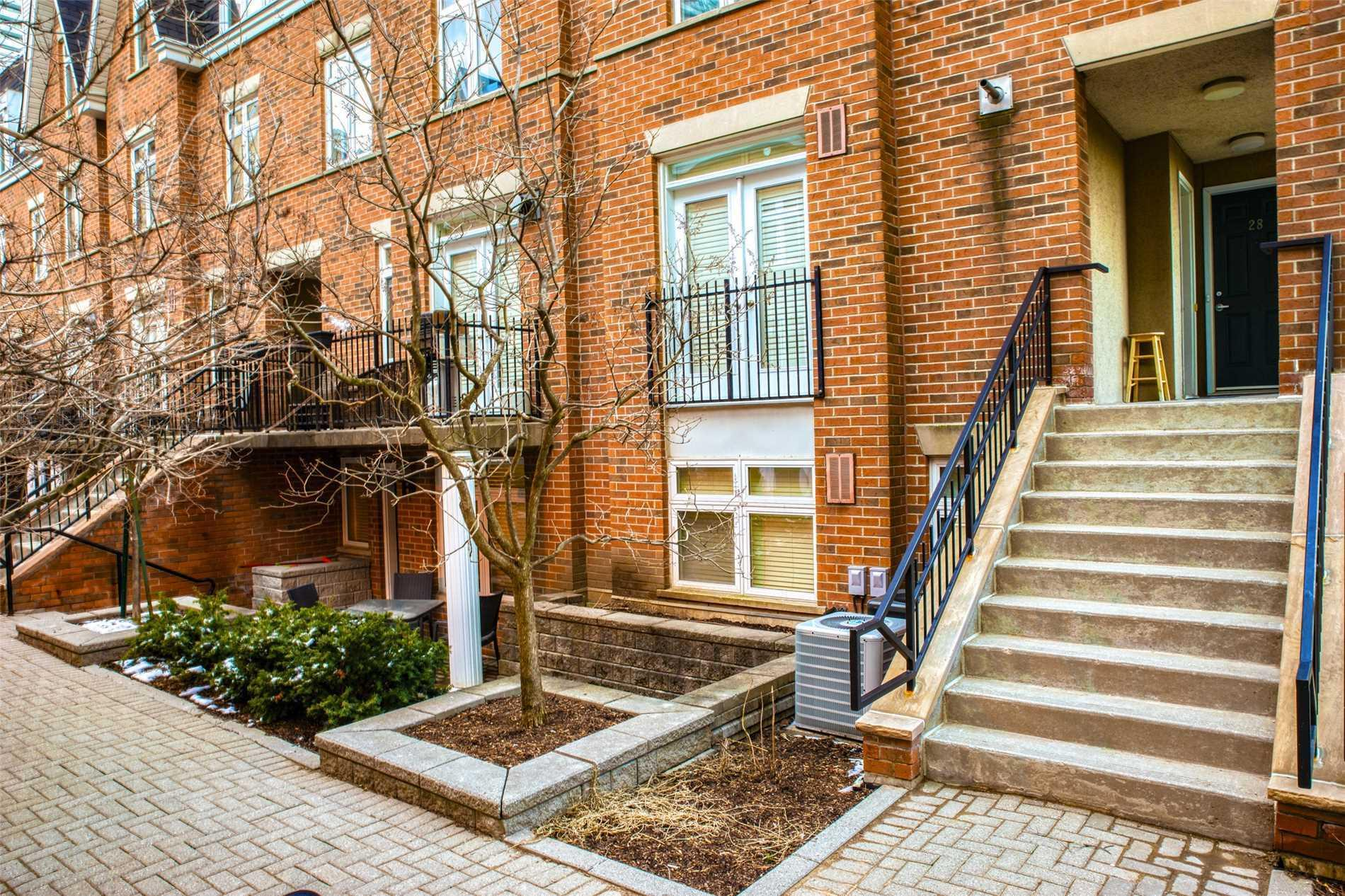 Th #28 - 98 Redpath Ave