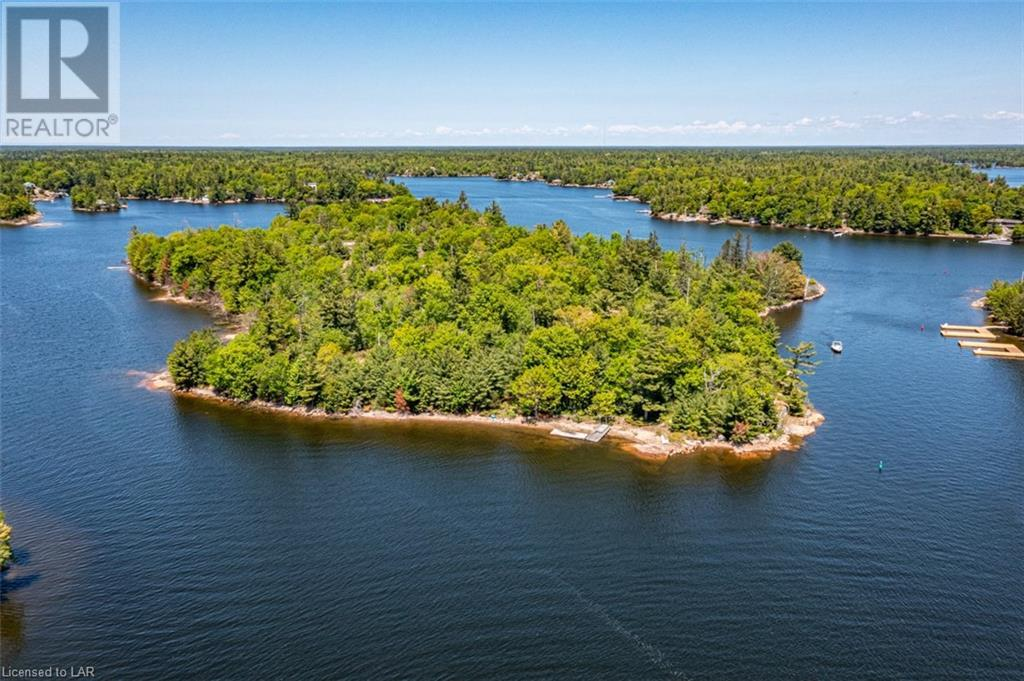 2 Island 810 Royal Island