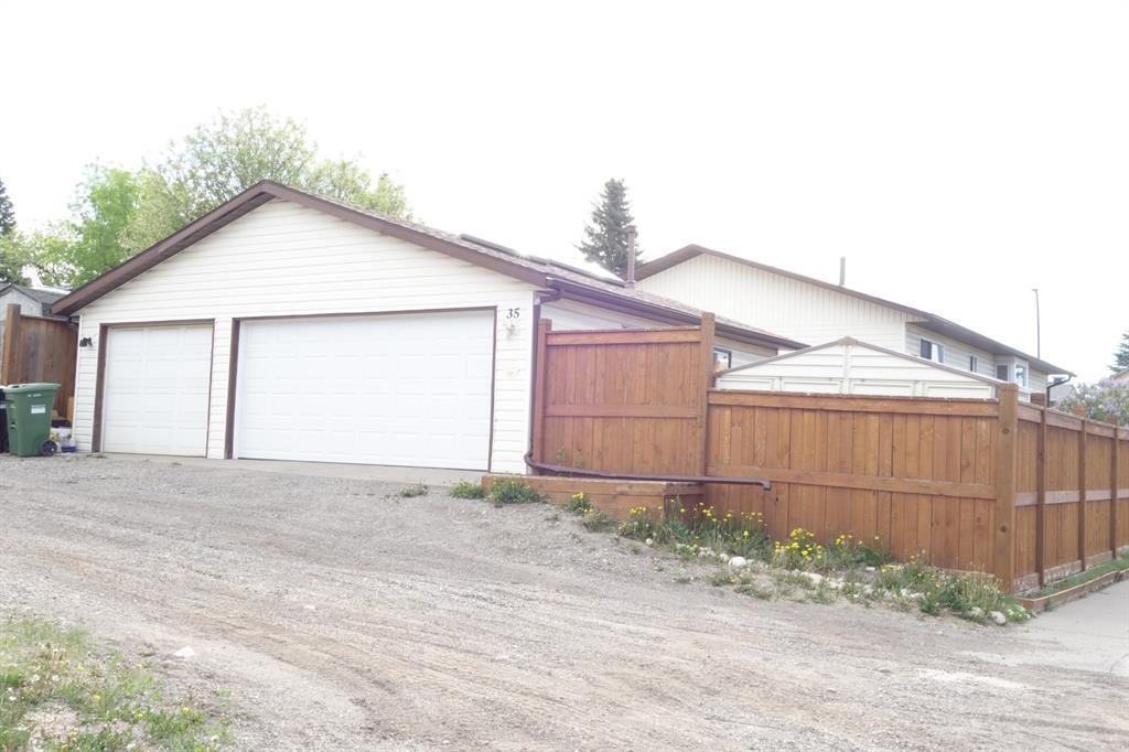35 Ranchlands Crescent Nw