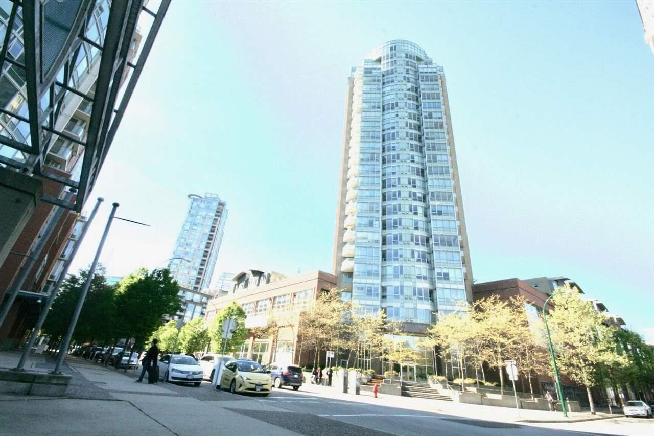 63 Keefer Pl, Vancouver, BC V6B 0C9 Th20 63 Keefer Place