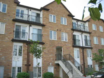 th10 - 988 Sheppard Ave W