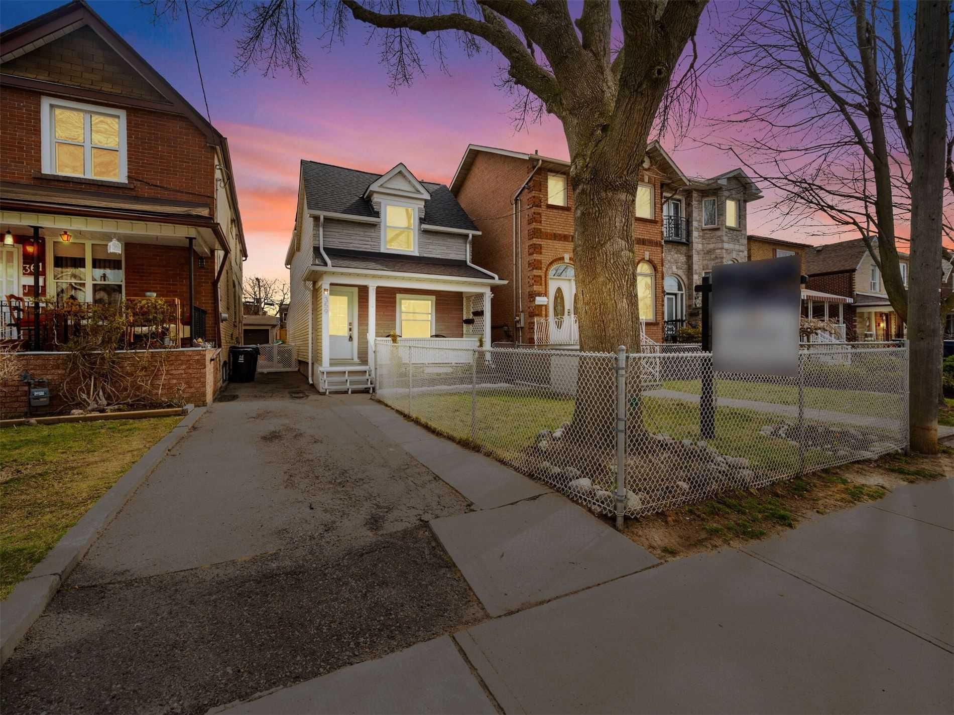 359 Westmoreland Ave N