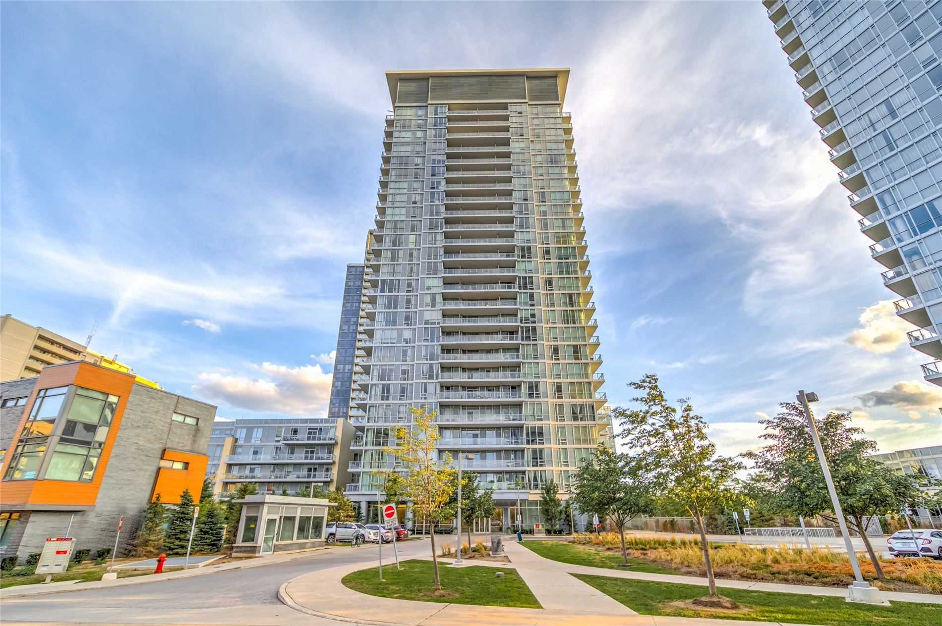 1001 - 62 Forest Manor Rd E