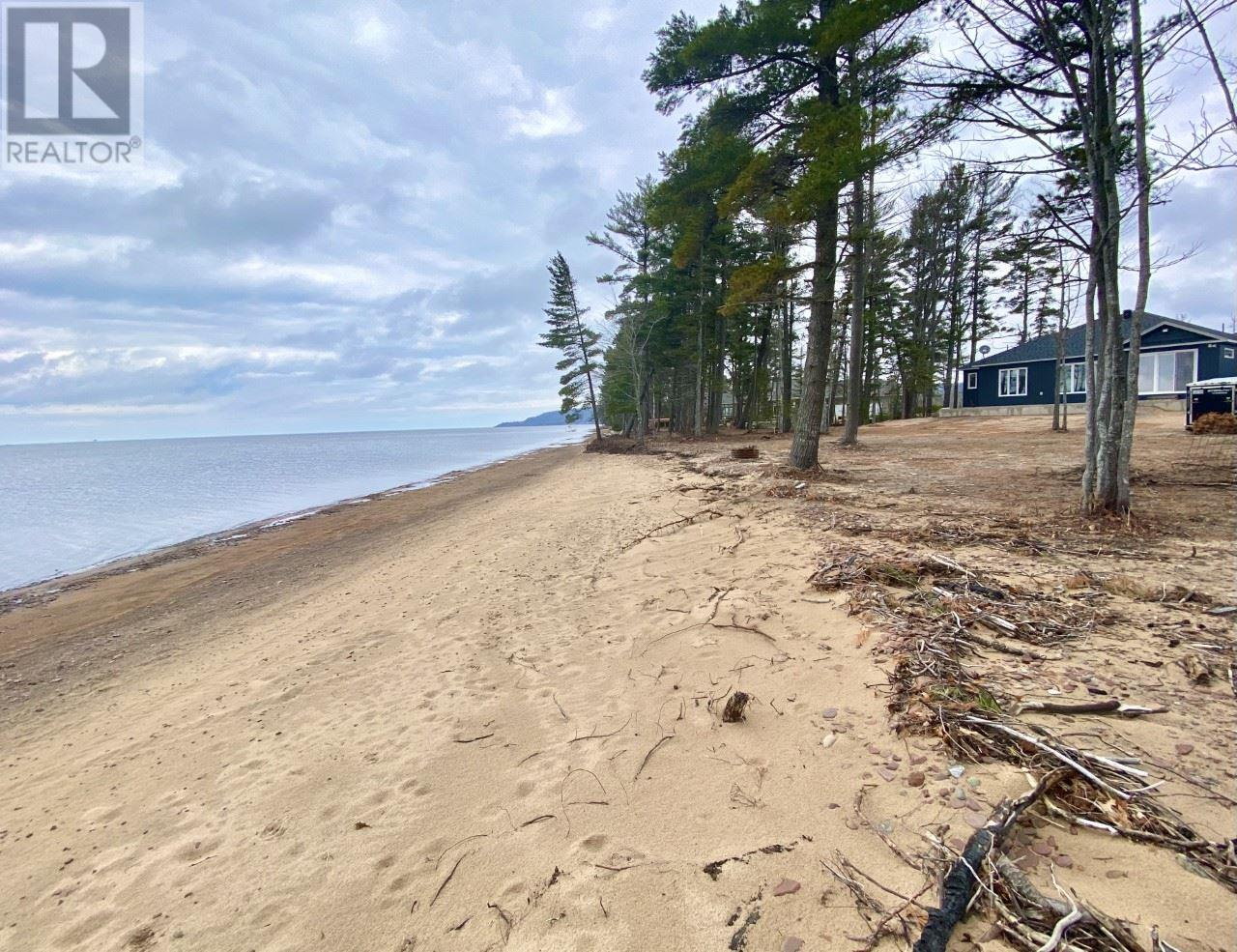 677 Sunnyside Beach