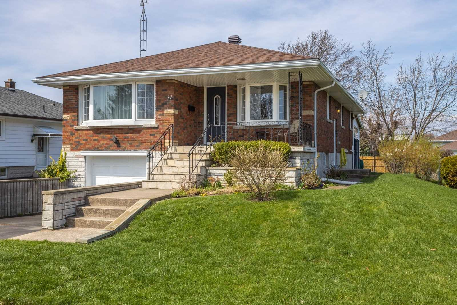 37 South Cres