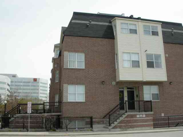 th 213 - 760 Lawrence Ave W