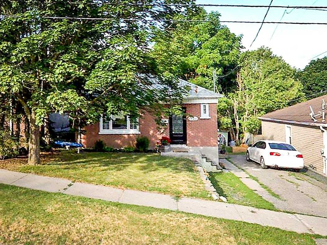 bsmt - 1048 Ford St